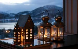 свечи и кристаллы